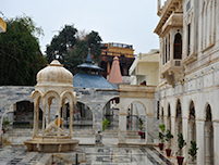 SUKKUR Sadubela Complex Baba Ban Khundi Maharaj Temple 0011